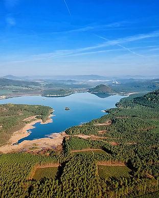 letecký-pohled-na-Máchovo-jezero.jpg
