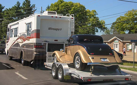 00-721-Motorhome-towing-an-antique-car1.jpg