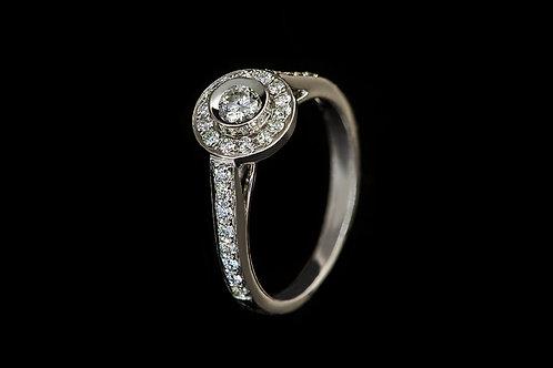 Zásnubní prsten LOVE s diamanty