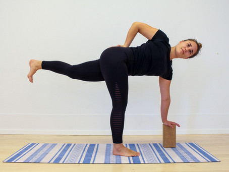 Yogapraxis für den Morgen: erweckend, aktivierend und reinigend für einen beschwingen Frühlingstag
