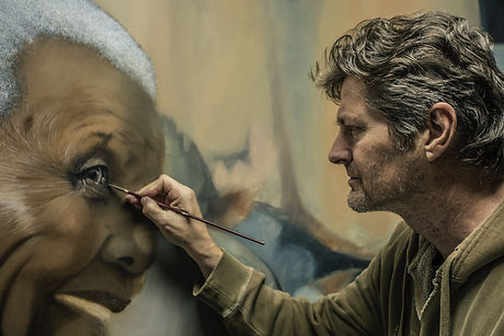 Pete painting Madiba.jpeg