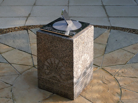 Stainless steel horizontal sundial by Piers Nicholson in Kent