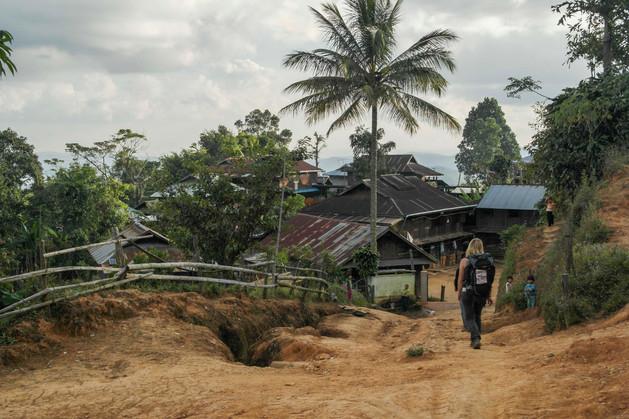 Arrivée dans le village