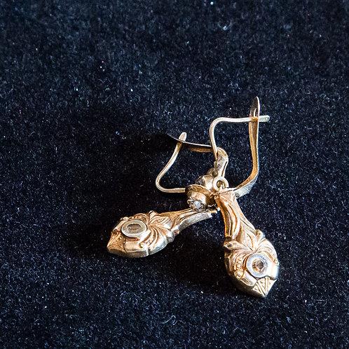 Orecchini antichi in oro a monachella con zaffiro