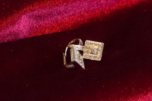 Orecchini a monachella quadrati con diamanti