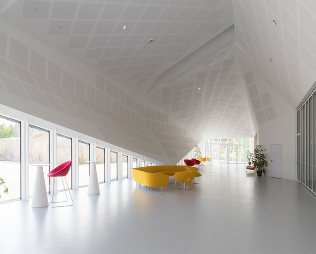 Centre Congres Jonzac 10.jpg
