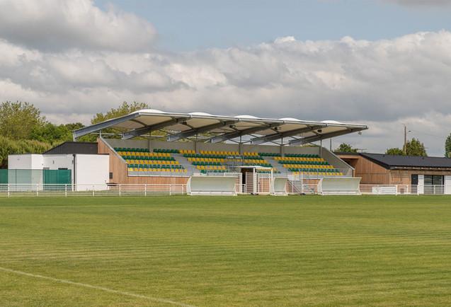 Stade Cozes 1.jpg