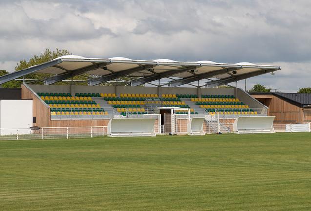 Stade Cozes 5.jpg