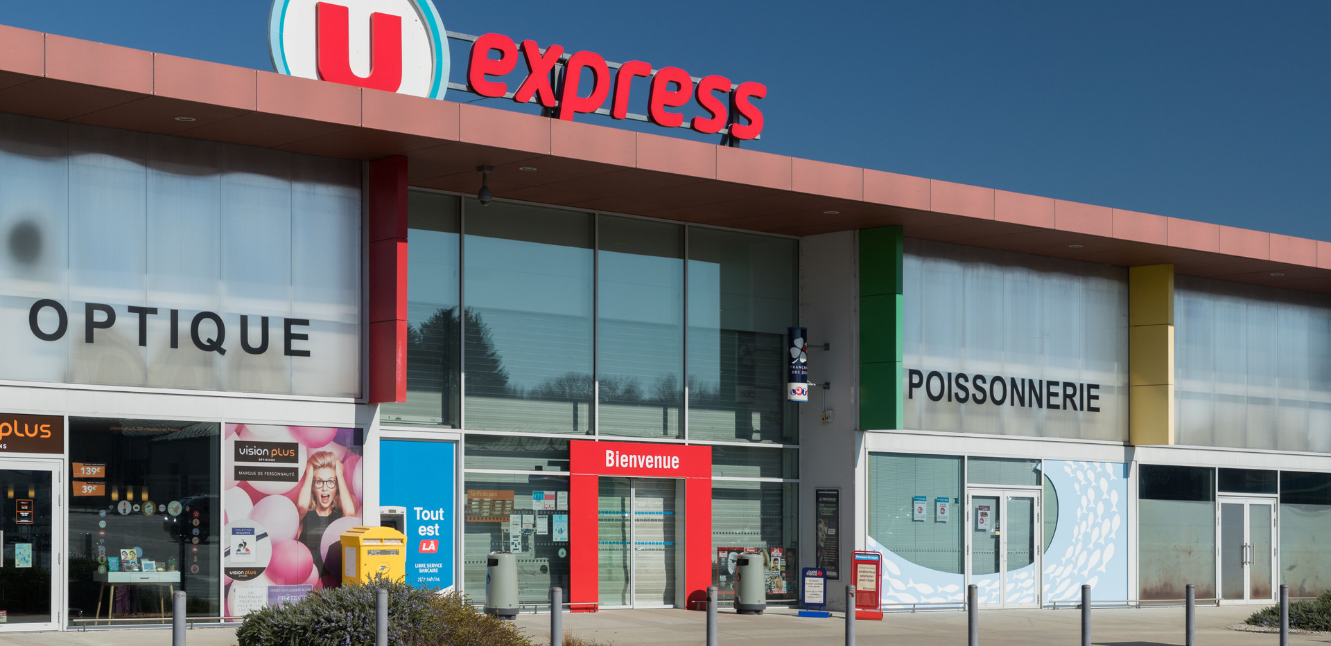 U Express Saint Pere en retz-4.jpg