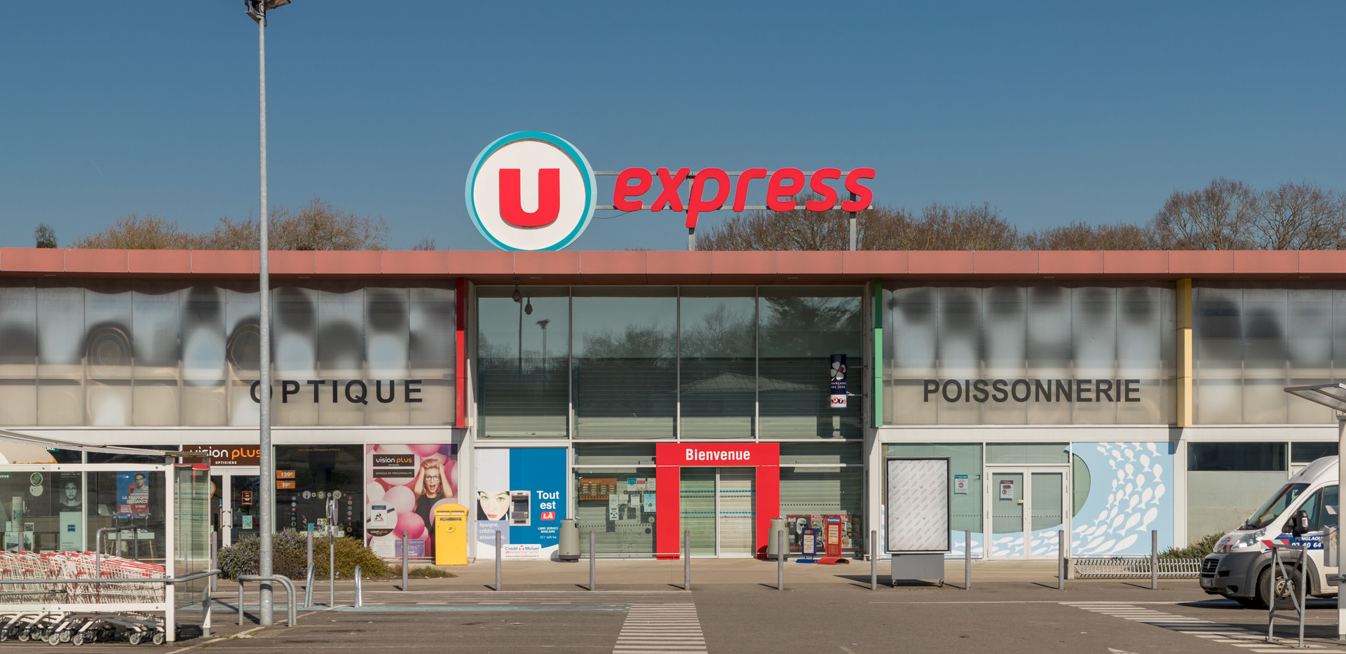 U Express Saint Pere en retz-2comp.jpg