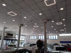 negozio cornice luminosa led.jpg