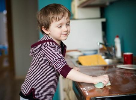 Melibatkan Anak dalam Pekerjaan Domestik Rumah Tangga