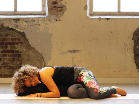 Restorative yoga: alles wat je wilt weten over Restorative yoga