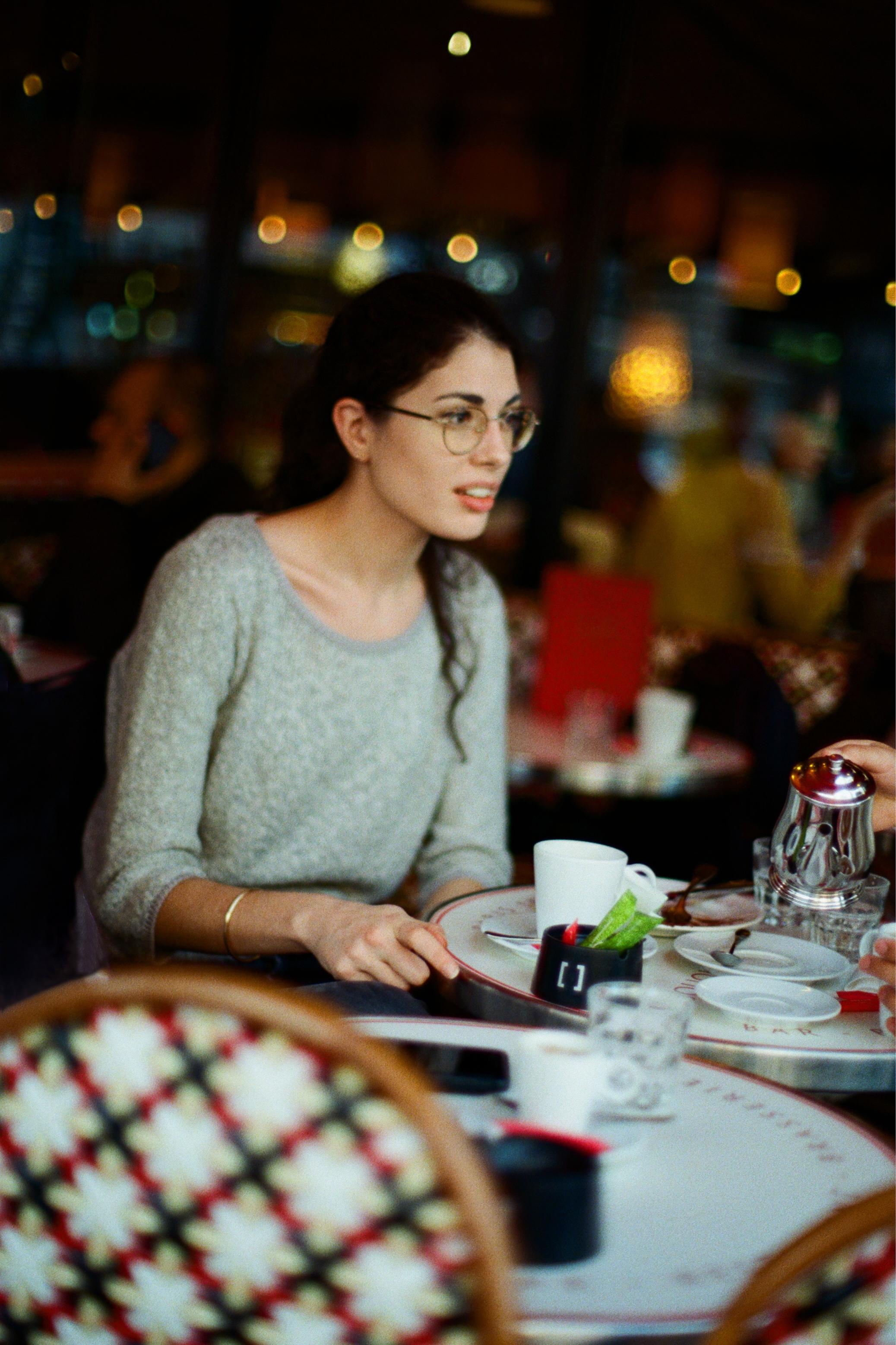 Portrait girl cafe Nikon FM3A