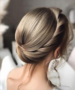 bridal hairstyle for short hair halo braid