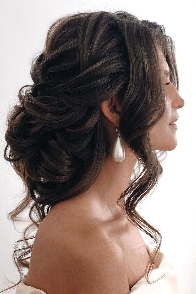 perfect hairdo soft curls updo for indian and pakistani weddings