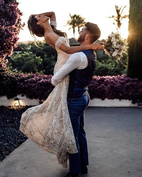 Covid Wedding small intimate weddings Couple