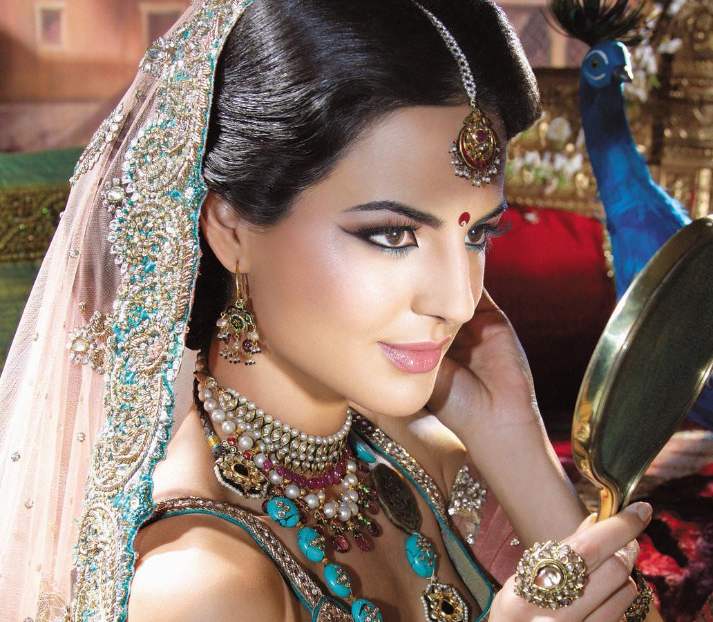 Asian Bridal Hair & Makeup Look by Annie Shah