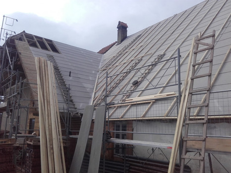 Unterdächer aus Faserzementplatten  -Holzfaserplatten -Unterdachfolien -Div. Wärmedämmungen