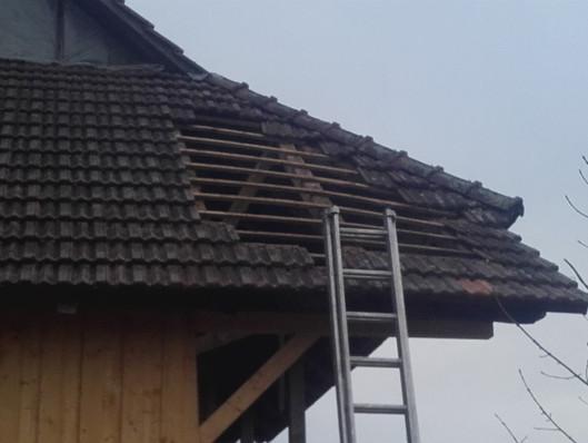 Kaputtes Dach Reparieren