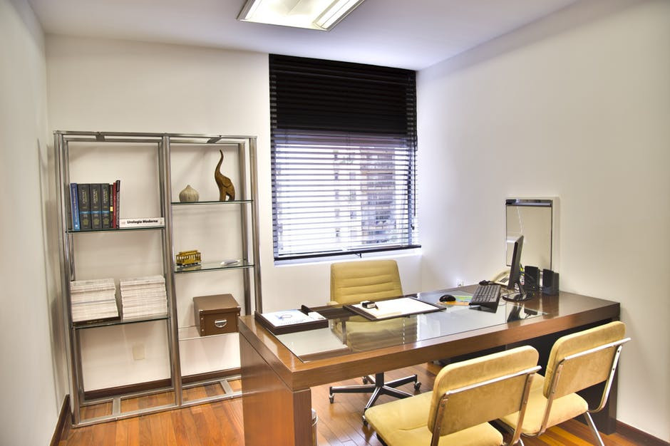 Aspects To Look At When Choosing Office Furniture