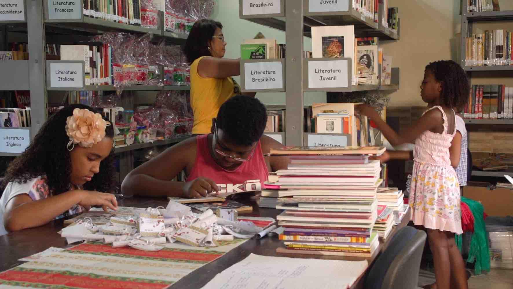 Biblioteca do Ponto Chic