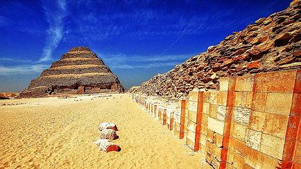 Een blik in de trappenpiramide - de ondergrondse gangenstelsels van Djoser