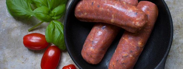 low-carb tomato sausages displayed in a pan <img>