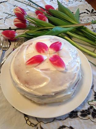 White Chocolate Vanilla Bean Cake