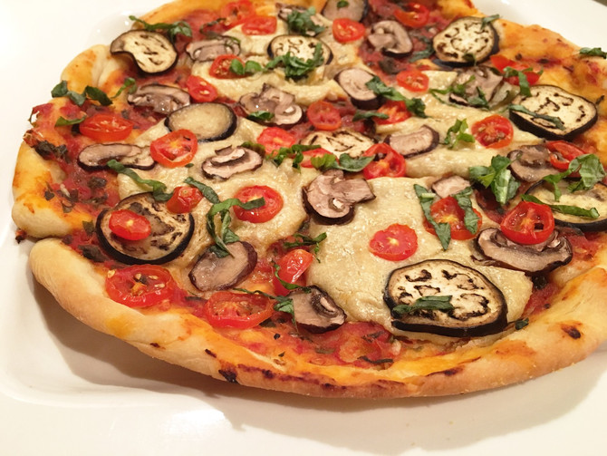 VEGGIE LOVER'S PIZZA WITH THIN CRUST AND HOMEMADE SAUCE