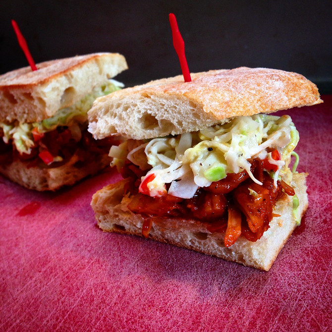 BBQ PULLED JACKFRUIT SLIDERS WITH CREAMY COLESLAW