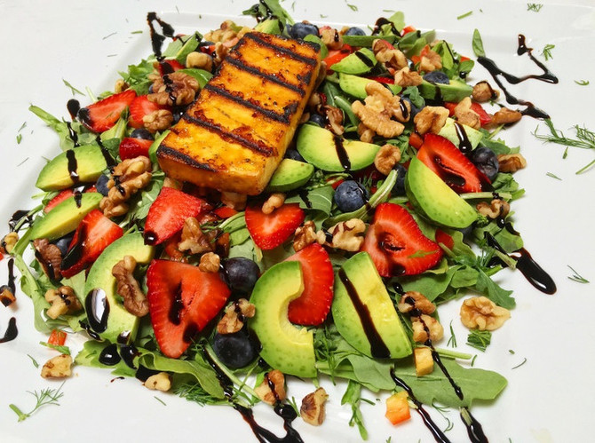 BERRY AND AVOCADO SUMMER SALAD WITH BARBECUED TOFU