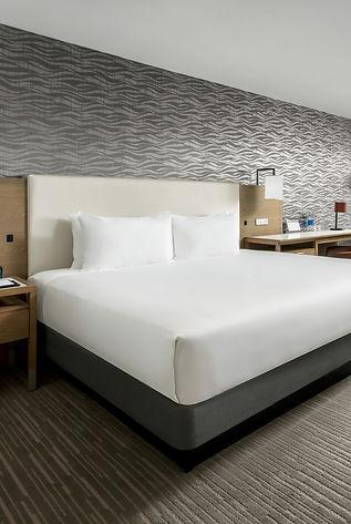 HRB-Guestroom-High-Floor-King_edited.jpg
