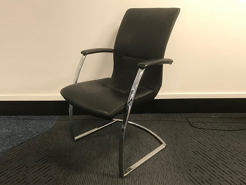 Dauphin Visitor Chair