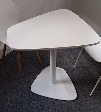 Table 750 x 810 - White