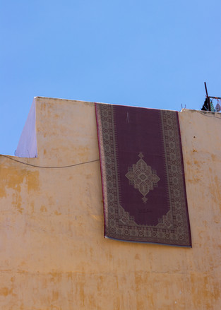hanging carpet alladin morocco