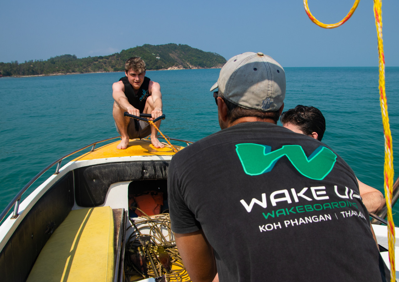 Beginners wakeboarding session