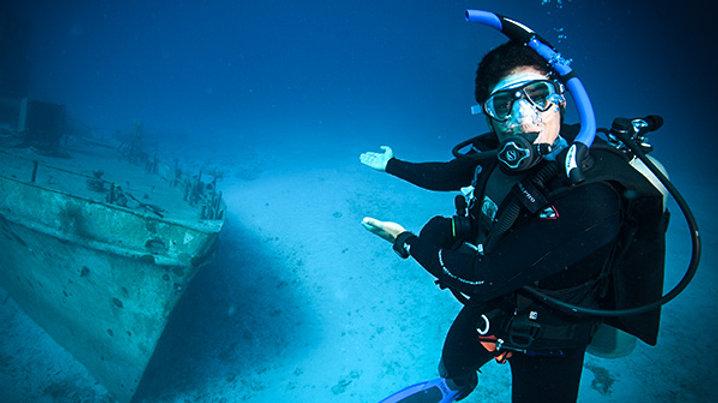 PADI Dive Master Course