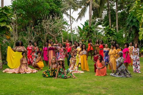 glow up goddess, group photography, event photography, under a palm tree, maya resort, ubud photography, bali