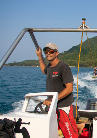 Sunny day for adrenaline sports in Koh Phangan