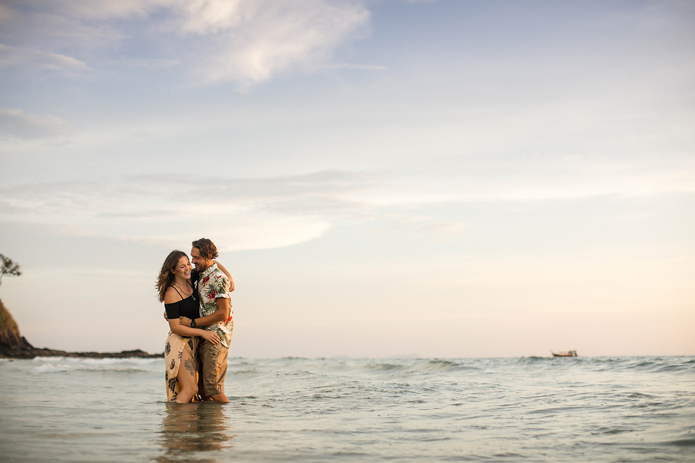 lena larsson couple photoshoot golden hour thailand