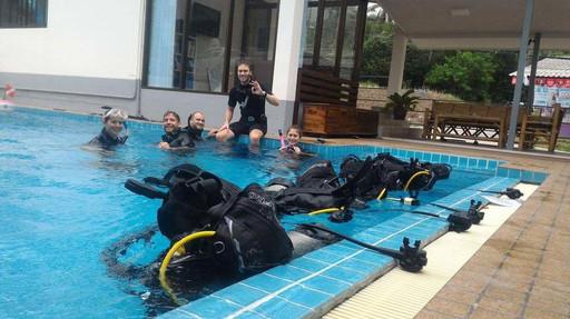 Swimming Pool Scuba Training Koh Phangan