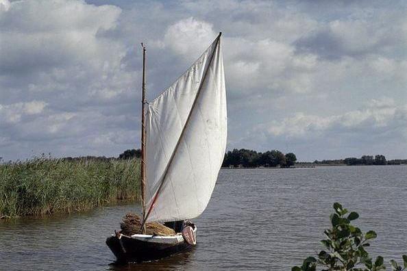 Houten bedrijfsboot Punter