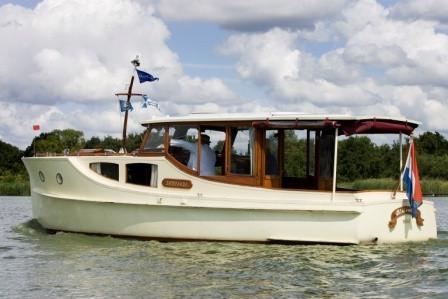 Motorboot (bakdekkruiser) 'Jacaranda'