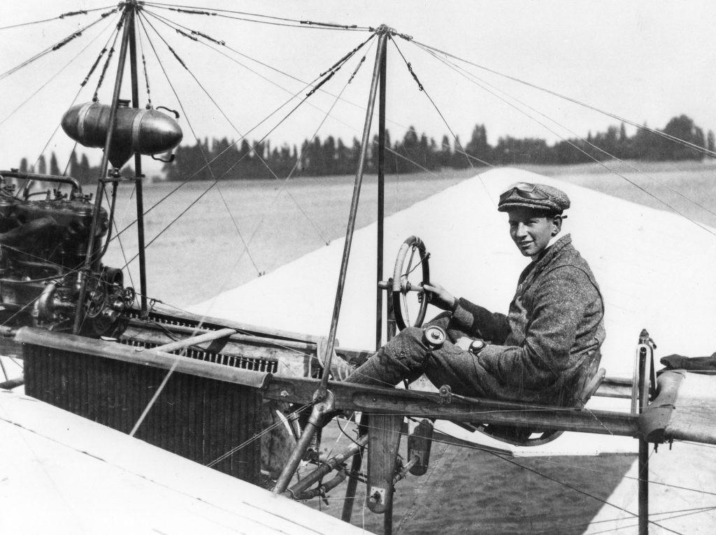 Antony Fokker in Spin 3