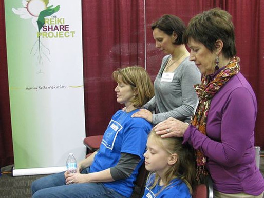 Offering Reiki at the Illinois Special Needs Expo
