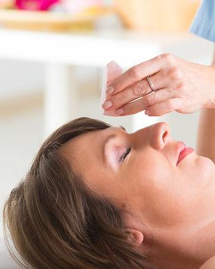Alternative medicine, therapist using ge