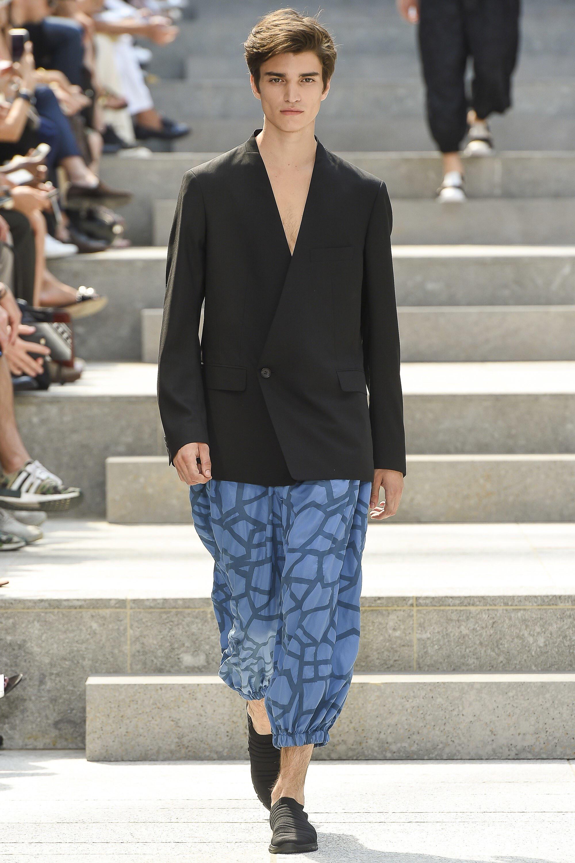 Issey Miyake SS18_Paris Fashion Week Men (2)