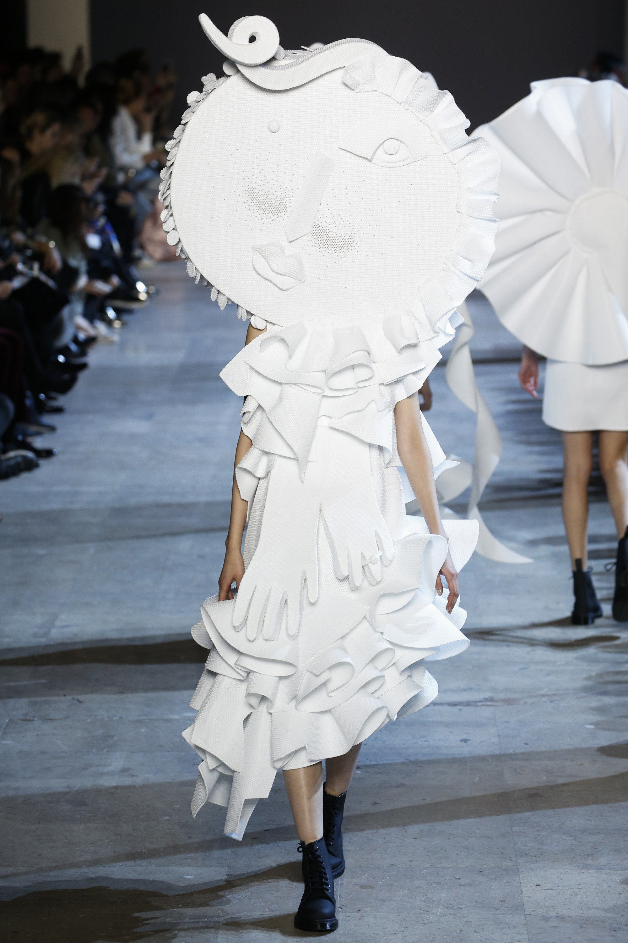 Viktor and Rolf SS 2016 _ paris HC