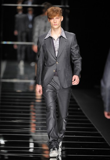 John Richmond S:S 2011 Milan 2.jpg